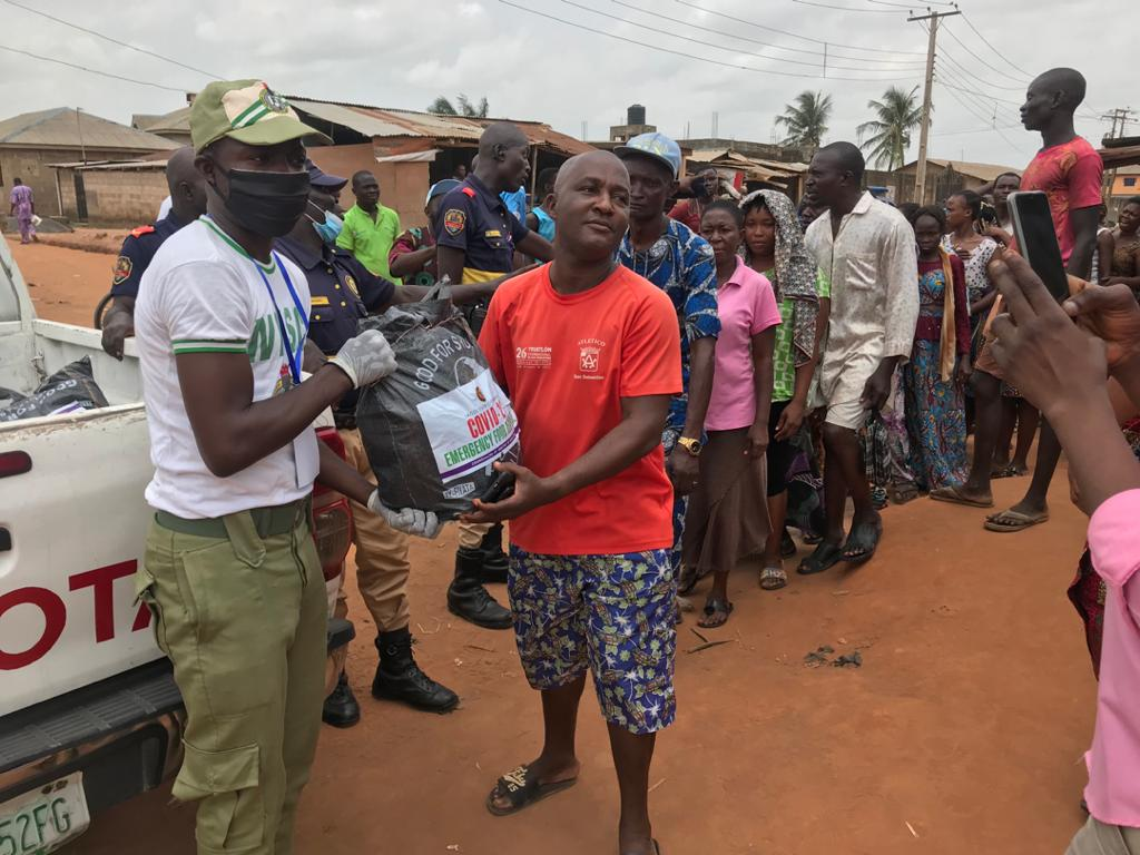 Lagos deploys corp members to share food items